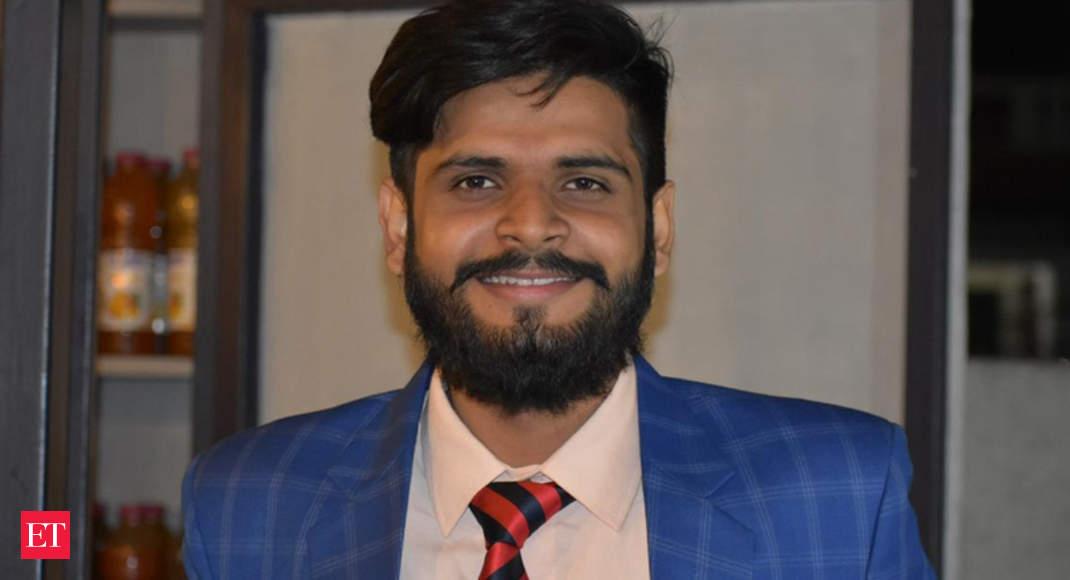 جوانان الوار هندو اولین غیر مسلمان در کشور هستند که در آزمون ورودی مطالعات اسلامی برتر هستند