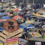 کشاورزان اعتراض می کنند: در محل های اعتراض کشاورزان ، برادران پنجاب با تعمیر تراکتور 'سوا' می کنند